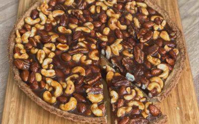 Gezouten karamel-noten taart
